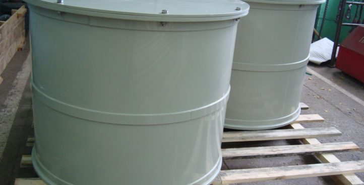 ROUND TANKS, CONTAINERS AND RESERVOIRS